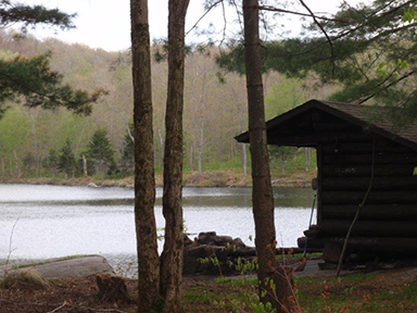 Uploaded Image: /vs-uploads/bob blog/Leanto_Mid Settlement Lake_small.jpg
